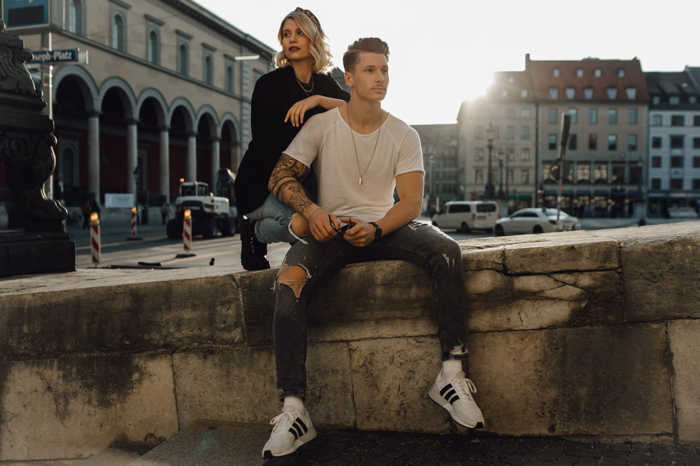 coupleshooting muenchen streetstyle 124 von 194 1 - Alex & Tim
