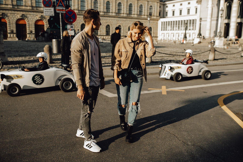 coupleshooting muenchen streetstyle 13 von 194 - Alex & Tim
