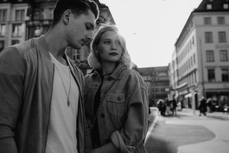 coupleshooting muenchen streetstyle 20 von 194 - Alex & Tim