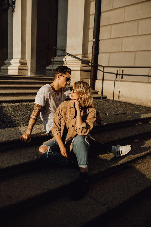 coupleshooting muenchen streetstyle 64 von 194 - Alex & Tim