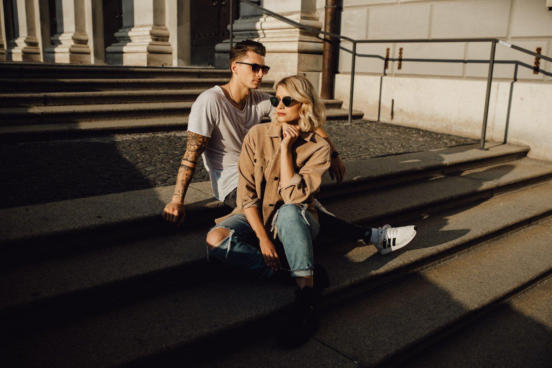 coupleshooting muenchen streetstyle 70 von 194 - Alex & Tim