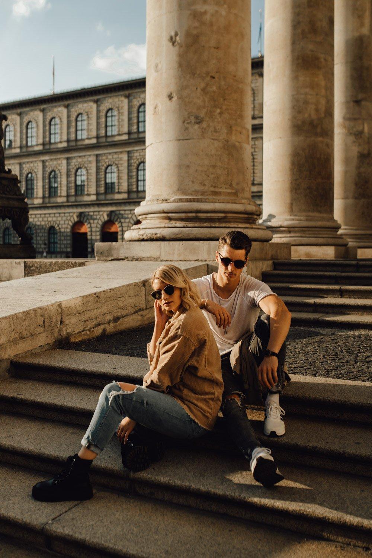 coupleshooting muenchen streetstyle 71 von 194 - Alex & Tim