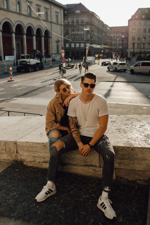 coupleshooting muenchen streetstyle 91 von 194 - Alex & Tim